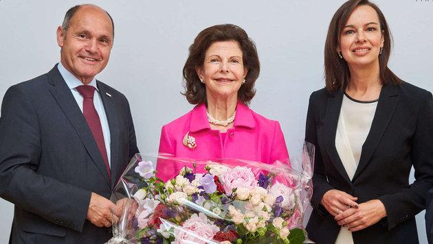 Wolfgang Sobotka, Königin Silvia von Schweden und Sophie Karmasin (Bild: Starpix/ Alexander TUMA)