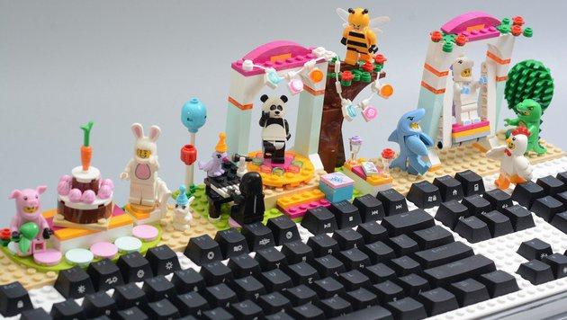 lego tastatur l dt zum bauen und basteln ein f r junggebliebene digital. Black Bedroom Furniture Sets. Home Design Ideas