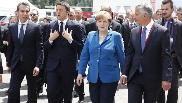 Christian Kern mit seinen Amtskollegen Matteo Renzi, Angela Merkel und Didier Burkhalter (Bild: ASSOCIATED PRESS)