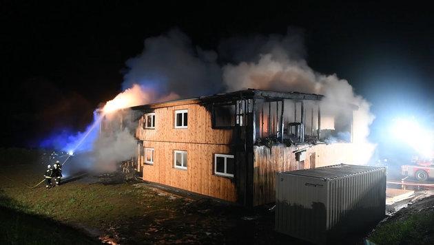 Feuer in Asylheim: Polizei tappt weiter im Dunkeln (Bild: fotokerschi.at)