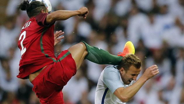 Darf DER Kung-Fu-Treter bei der EM gegen uns ran? (Bild: Associated Press)