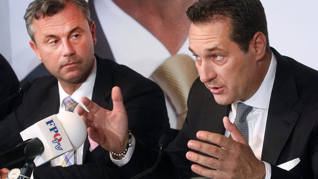 "Interner FPÖ-Streit über ""Öxit""? (Bild: ASSOCIATED PRESS)"