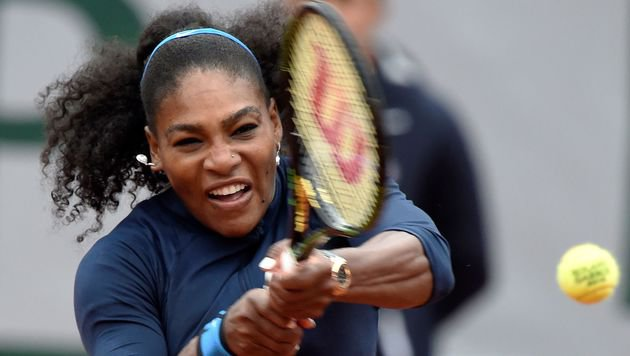 Serena Williams müht sich in Paris-Halbfinale (Bild: AFP)