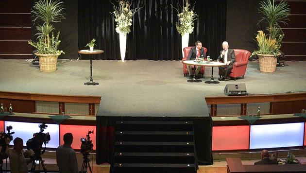 Frank Stronach zieht sich aus der Politik zurück (Bild: APA/HANS PUNZ)