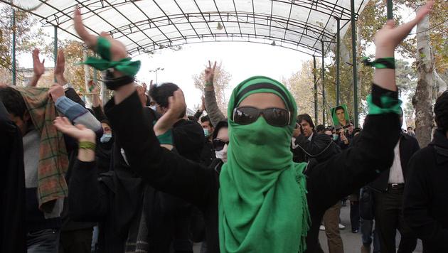 70 Jugendliche von Irans Sittenpolizei verhaftet (Bild: AFP)