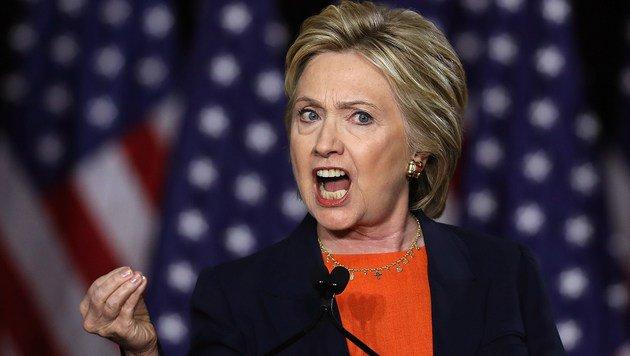 Clinton rät Trump, einen Psychiater zu besuchen. (Bild: APA/AFP/GETTY IMAGES/JUSTIN SULLIVAN)