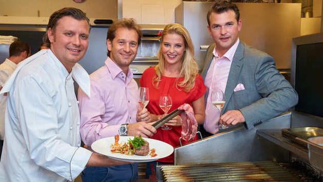 Gastgeber Grossauer (rechts) mit Reiler, Trulli und Widakovich im El Gaucho in Baden (Bild: Starpix/Alexander TUMA)