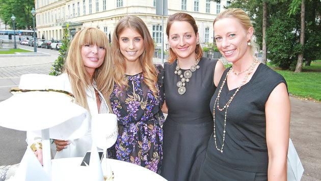 Casha Kellermann, Cathy Hummels, Stefanie Plank und Gloria Hundsberger (Bild: Philipp Enders)