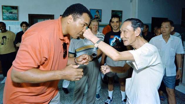 Boxlegende Muhammad Ali ist tot (Bild: APA/AFP/MIKE FIALA)