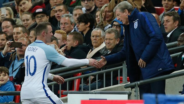 Englands Teamchef Hodgson gibt Rooney Garantie (Bild: APA/AFP/IAN KINGTON)
