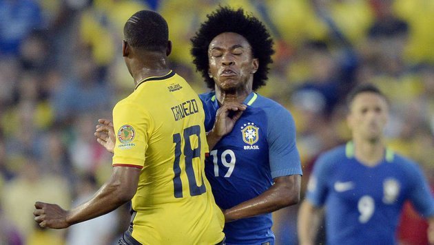 Brasilien enttäuscht im 1. Copa-America-Match (Bild: APA/AFP/GETTY IMAGES/KEVORK DJANSEZIAN)