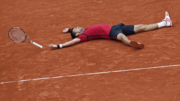 Djokovic triumphiert erstmals bei den French Open! (Bild: AP)