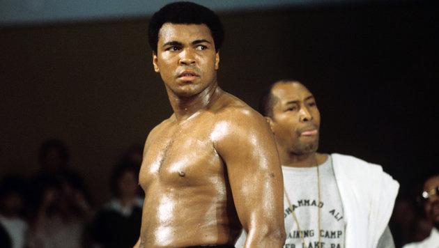 Muhammad Ali wird am Freitag öffentlich beigesetzt (Bild: APA/dpa/Istvan Bajzat)