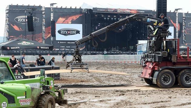 """Rock am Ring"" wegen Unwettern abgebrochen (Bild: APA/AFP/dpa/THOMAS FREY)"