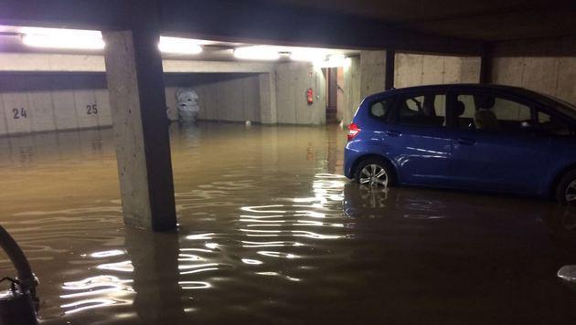 Im Ortsteil Straßengel standen am Samstag Tiefgaragen unter Wasser. (Bild: FF Judendorf-Straßengel)