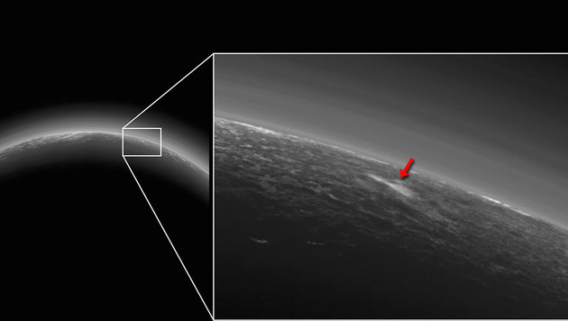 Fotografierte Sonde auf Zwergplanet Pluto Wolke? (Bild: NASA/JHUAPL/SwRI)