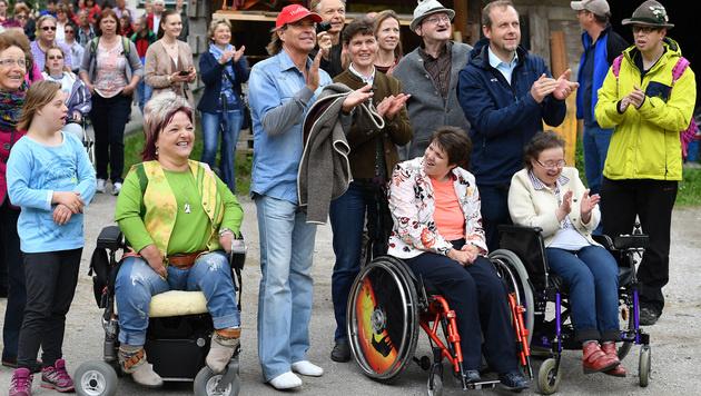 Über 150 Menschen mit Behinderung waren mit Hansi im Salzburger Land unterwegs. (Bild: Kerstin Joensson)