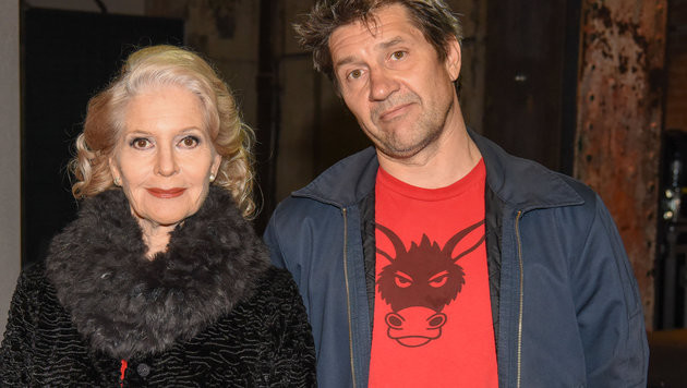 Mutter und Sohn, professionell am Set vereint: Christiane Hörbiger und Sascha Bigler. (Bild: ORF)