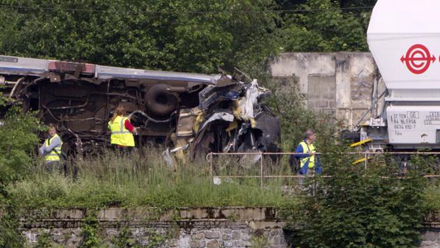 Belgien: Zugunglück womöglich von Blitz verursacht (Bild: Associated Press)