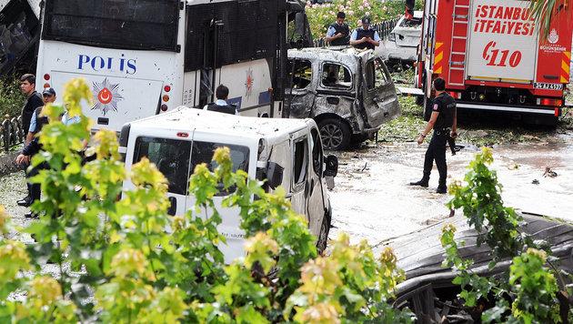T�rkei: Elf Tote bei Anschlag auf Polizeibus (Bild: APA/AFP/DHA)