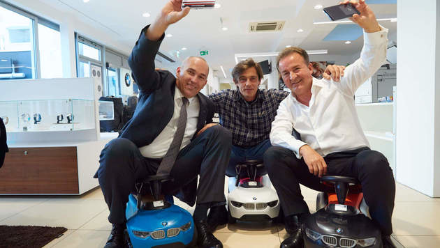 """""""Mr. Denzel""""  Günter Kalina (li.) mit Kurt Faist und Werner Schreyer (Mitte) (Bild: Starpix/ Alexander TUMA)"""