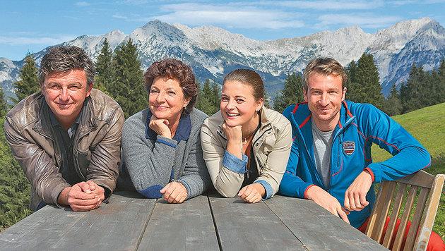 Die Bergdoktor-Darsteller Hans Sigl, Monika Baumgartner, Ronja Forcher und Heiko Ruprecht. (Bild: Susanne Sigl)