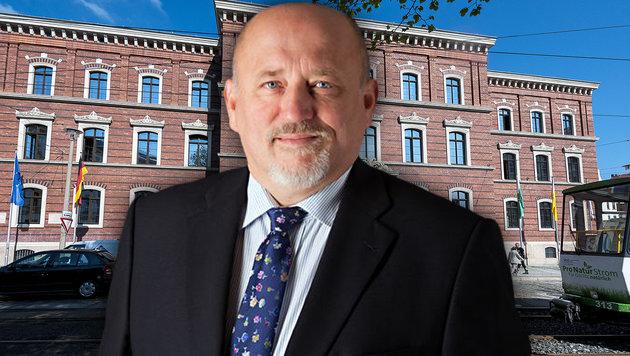 Oberbürgermeister Siegfried Deinege warnt Frauen vor unbegleiteten Spaziergängen in der Nacht. (Bild: APA/dpa-Zentralbild/Pawel Sosnowski)