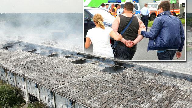 Die Fl�chtlingsunterkunft in D�sseldorf brannte am Dienstag komplett ab. (Bild: APA/dpa/David Young)