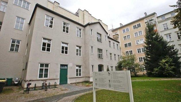 Nicht nur die EDV-Abteilung, auch mehrere Büros im Magistrat wurden von den Beamten durchsucht. (Bild: Markus Tschepp)