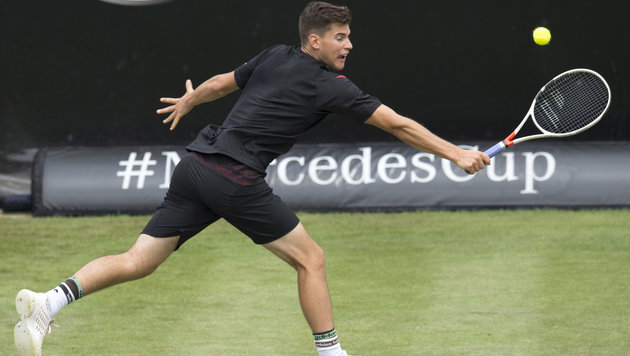Thiem siegt im Tie-Break-Krimi in Stuttgart (Bild: APA/AFP/THOMAS KIENZLE)