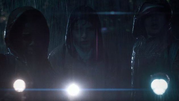 Wills Freunde sind ebenfalls auf der Suche nach dem Buben. (Bild: Netflix / YouTube.com)