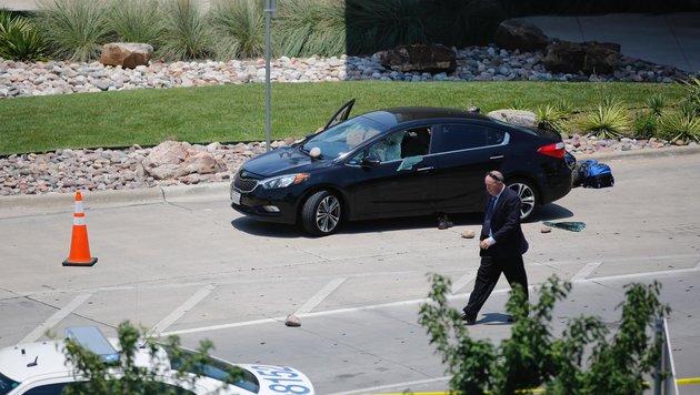 Dallas: Polizist schoss Mann auf Flughafen nieder (Bild: AP)