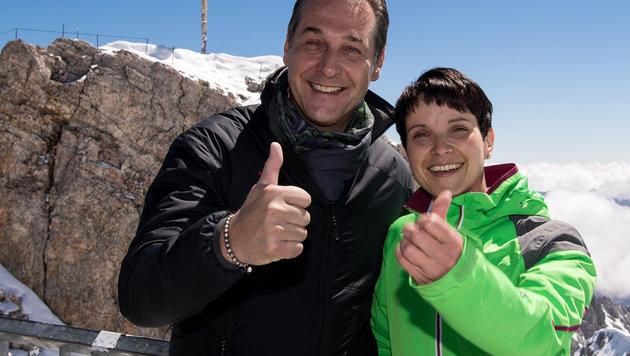 Gipfeltreffen auf der Zugspitze: FPÖ-Parteichef Strache und AfD-Vorsitzende Petry (Bild: DPA/Sven Hoppe)