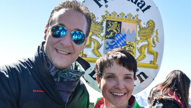 Rechtsshow auf Zugspitze: Strache trifft AfD-Petry (Bild: APA/ZEITUNGSFOTO.AT)