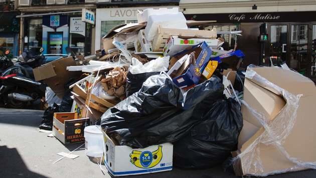 Zum EURO-Start: Frankreich in der Krise (Bild: AFP)