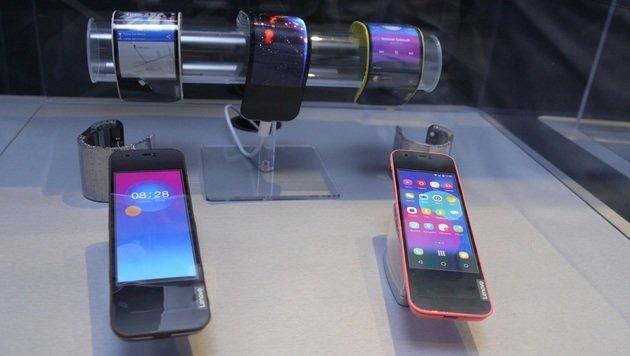 Falten und biegen: Ist dies das Handy der Zukunft? (Bild: Dominik Erlinger)