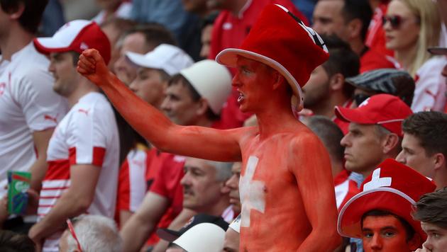 Euphorischer schweizer Fan (Bild: GEPA)