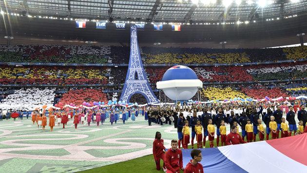 Feierliche Eröffnung bei der EURO in Paris! (Bild: AP)