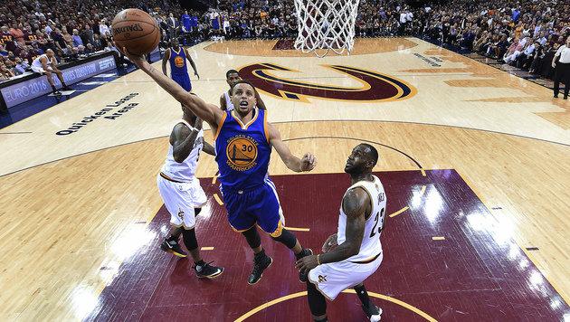 Golden State zieht in NBA-Finalserie mit 3:1 davon (Bild: AP)