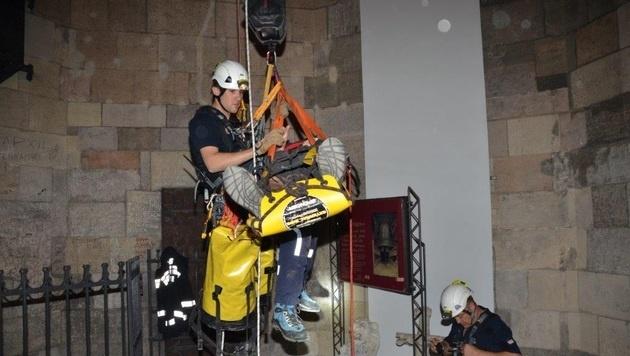 Die Höhenrettungsgruppe leistete ganze Arbeit. (Bild: APA/MA 68  LICHTBILDSTELLE)