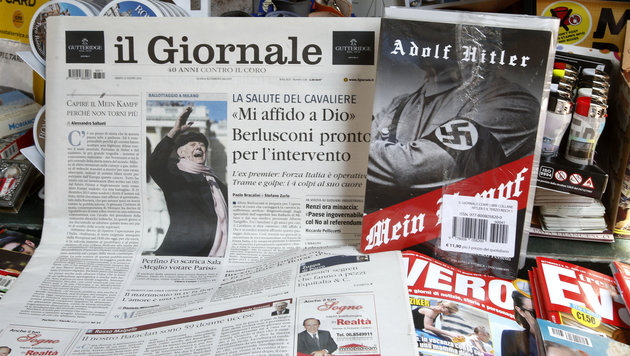 "Berlusconi-Zeitung verschenkt Hitlers ""Mein Kampf"" (Bild: Associated Press)"