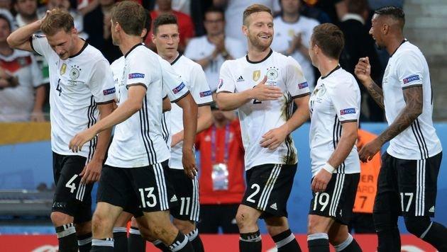 Deutschland zittert sich gegen Ukraine zu 2:0-Sieg (Bild: AFP)