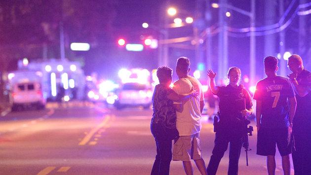 """50 Terrortote in den USA: """"Just bang, bang, bang!"""" (Bild: AP Photo/Phelan M. Ebenhack)"""