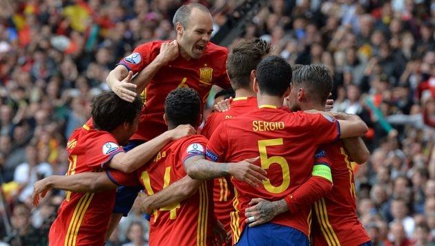 1:0! Piqué erlöst Spanien kurz vor Schluss (Bild: AFP)