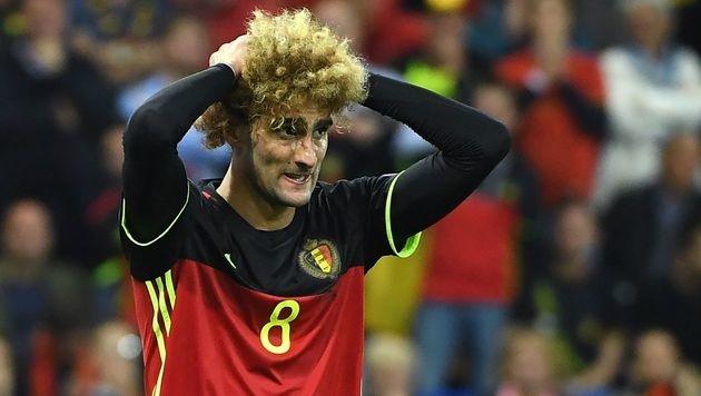Da rauft sich Marouane Fellaini seine Haare! (Bild: AFP)
