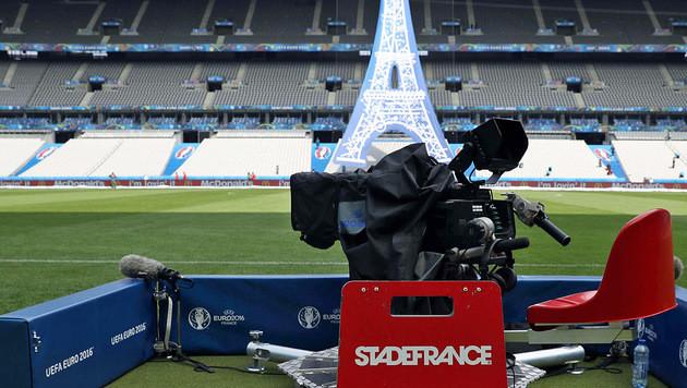 Begrenztes Bildangebot: TV-Sender beschweren sich (Bild: AFP)
