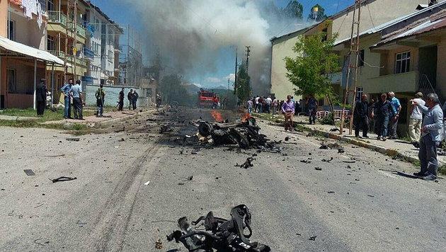 Erneuter Autobomben-Anschlag in der Türkei (Bild: Twitter.com/Cahida Dêrsim)
