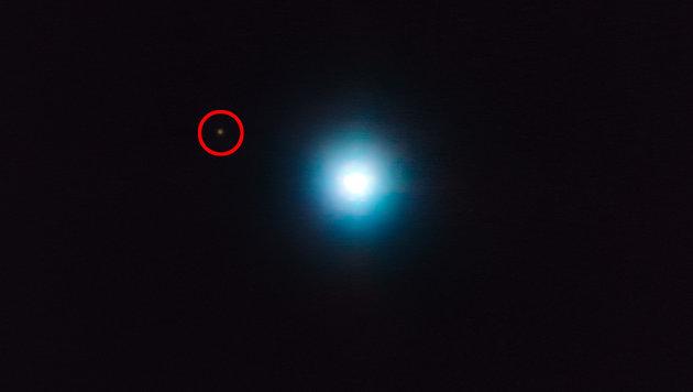 Der Exoplanet CVSO 30c (rot markiert) und sein Zentralstern (Bild: ESO/Schmidt et al.)