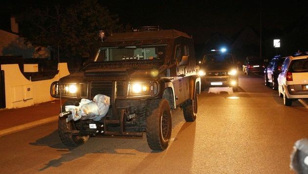 Ein Einsatzfahrzeug der Spezialeinheit RAID (Bild: APA/AFP/MATTHIEU ALEXANDRE)