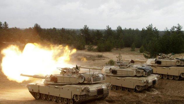 NATO-Manöver im Baltikum (Bild: EPA)